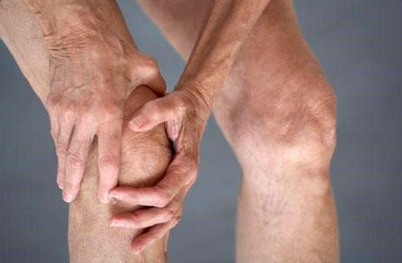 QONARTROZ-Diz-artrozu-dizde-duzlasma-qigirdagin-yeyilmesi